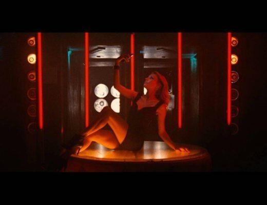 Alena Mayuk modella per Spot Nilox Doc Pro